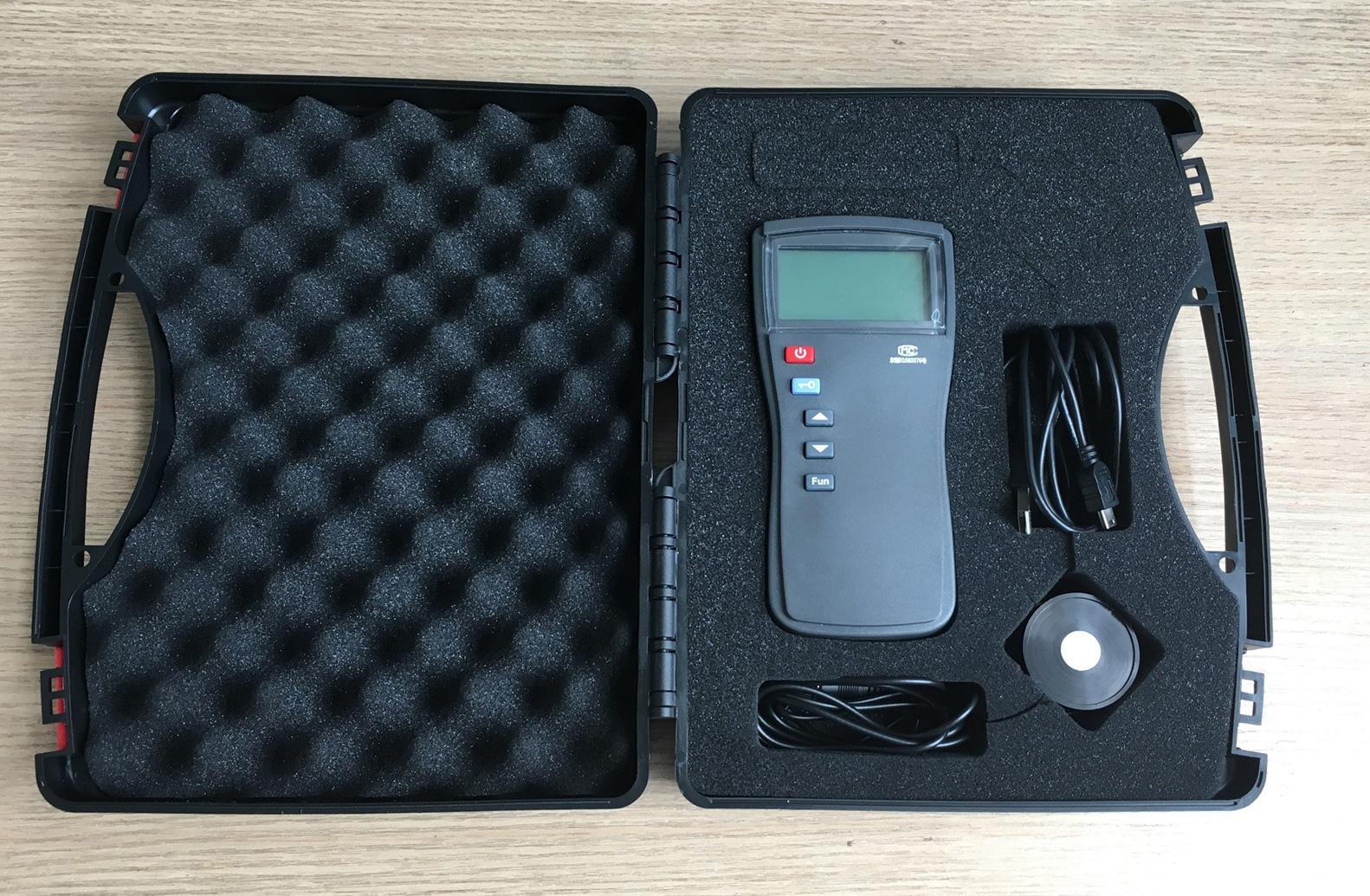 UV340 Calibration Radiometer