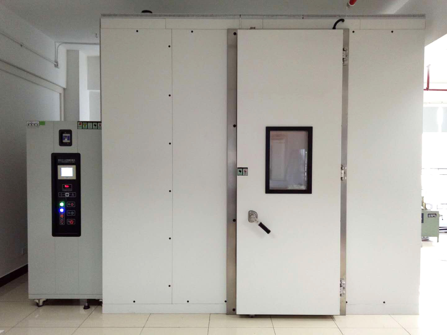 UV Radiation Chamber for IEC 61646 & IEC 61215
